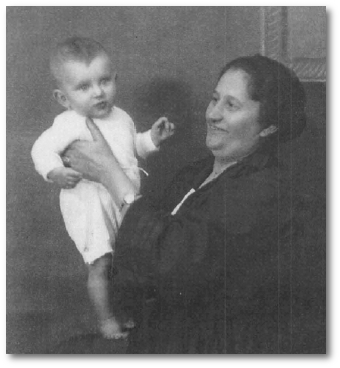 Albert and Oma Isacson in May 1922