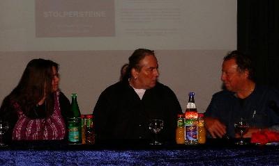 Von links: Heike Jordan, Projektleiterin der Stolpersteine für Gelsenkirchen, Andreas Jordan, Initiator und Gunter Demnig